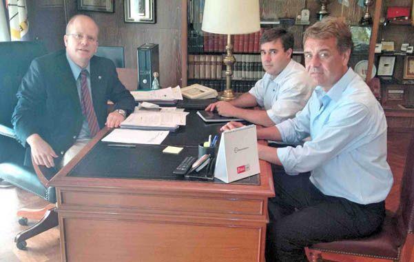 Cónclave. Autoridades locales con el ministro de la Producción.