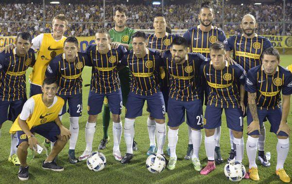 El equipo que salió a jugar el amistoso contra Cerro de Uruguay.