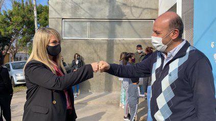 El secretario de Salud de Rosario y la titular del Concejo durante la visita al centro de salud Esteban Maradona.