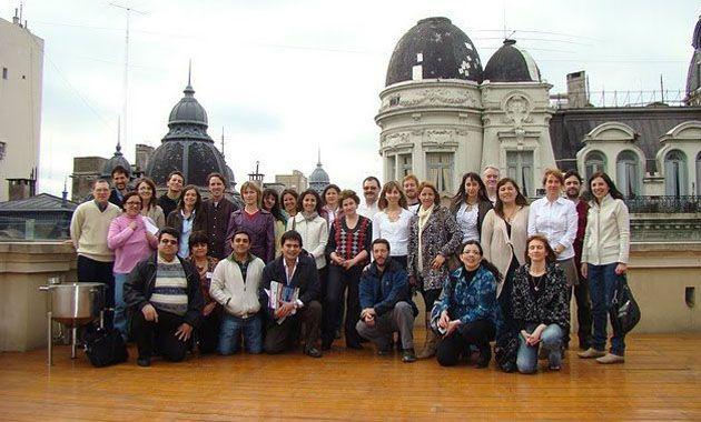 Los miembros de la Red Argentina de Periodismo Científico cuando obtuvieron la personería jurídica de la entidad.