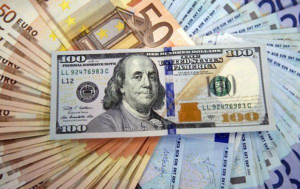 Imparable. El dólar se fortalece y alienta la emigración de capitales financieros hacia Estados Unidos.