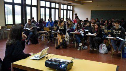 En las aulas . La UNR avanza progresivamente en actividades presenciales.