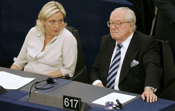 Xenófobo. Marine Le Pen calificó de falta política los dichos de su padre.
