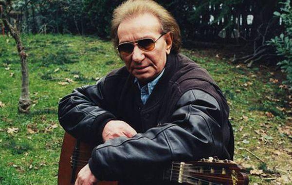 el Último romántico. Desde los años 70 el cantante se sumó a las voces italianas que apuntan a los sentimientos.