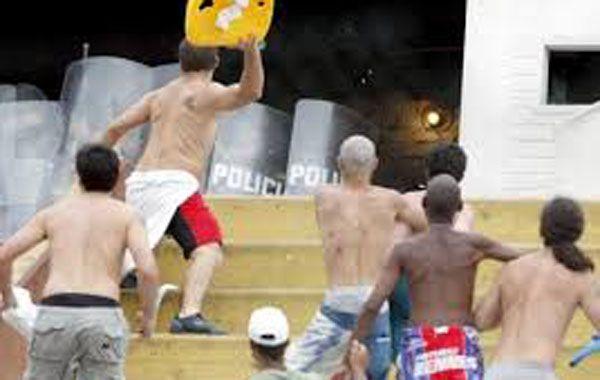 Los ciudadanos extranjeros que tengan antecedentes u orden de arresto por pertenecer a barras bravas no podrán ingresar a Brasil.