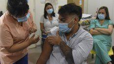 una calculadora estima en que lugar de la fila estas para recibir la vacuna contra el coronavirus