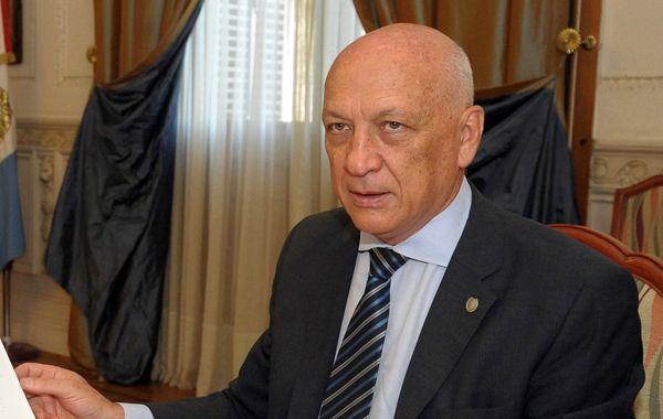 El gobernador descartó que haya habido intencionalidad política en el ataque a balazos.