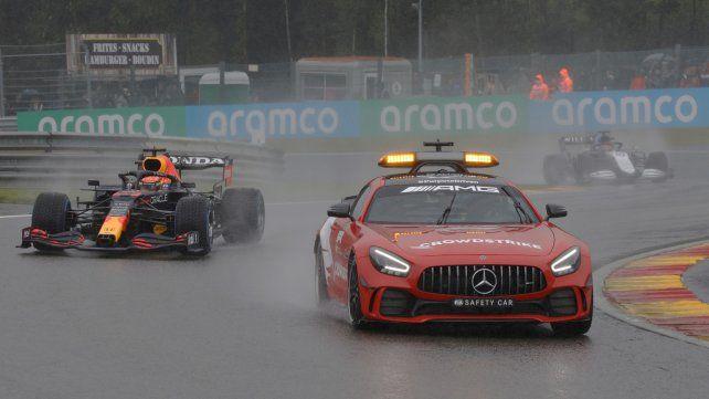 GP de Bélgica: la lluvia complicó las cosas y Verstappen fue declarado ganador