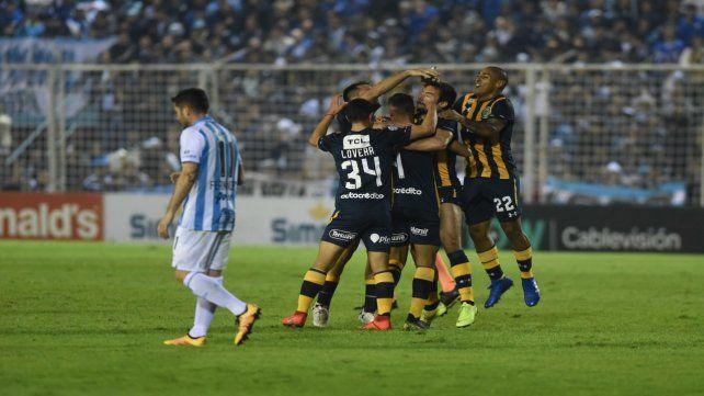 Pie derecho. Central arrancó la Superliga pisando muy fuerte en Tucumán al vencer a Atlético por 2 a 1.