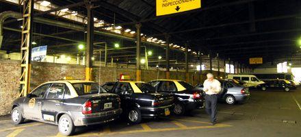 Taxistas y colectiveros piden que las faltas leves no cuenten en el carné por puntos