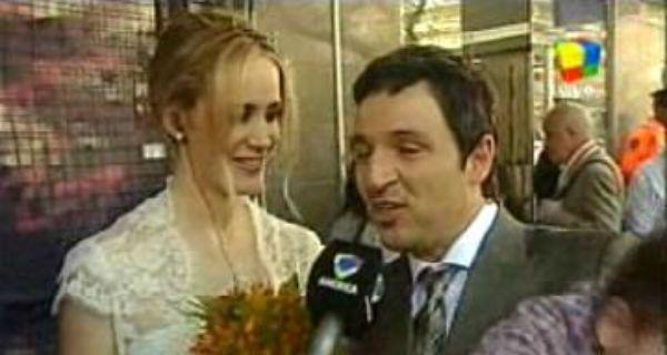 Julieta Prandi se casó este mediodía por civil y festeja en un restó