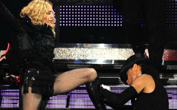 Dominatrix. Madonna castigó a un bailarín por llegar unos minutos tarde a un ensayo.