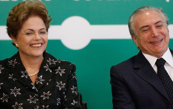Bajo fuerte presión. Dilma negó cambios de gabinete y desmintió a su vicepresidente Michel Temer