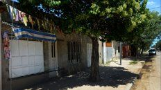 Eva Perón al 1100 de Granadero Baigorria. Omar, el kiosquero, fue baleado en el interior de su negocio.