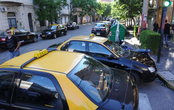 Los taxistas sufren permanentemente hechos de violencia. (S.Meccia)