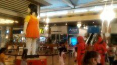 Denunciaron que hicieron jugar a niños a El juego del Calamar en un shopping