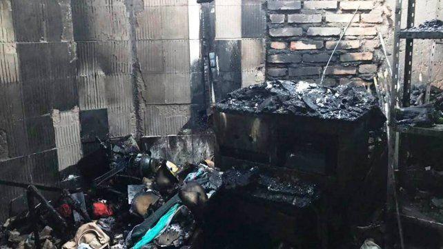 El escenario del incendio donde murieron las tres mujeres