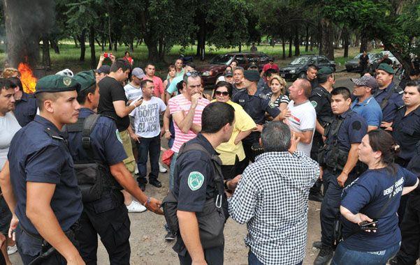 La Plata. Un grupo de uniformados