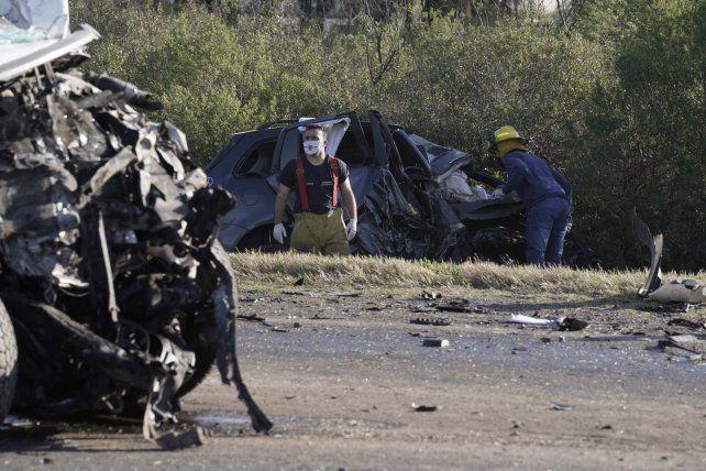 Los vehículos quedaron destrozados en la autopista a Santa fe