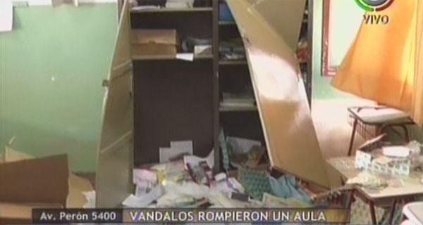 Dos escuelas rosarinas fueron víctimas del vandalismo durante el fin de semana largo