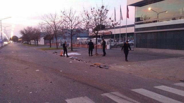 Un muerto y dos heridos en un múltiple choque de autos en 27 de Febrero y Necochea