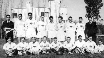 Uno de los primeros equipos de Los Caranchos que participaba de los torneos que organizaba la por entonces Unión de Rugby del Litoral Argentino, hoy Unión de Rugby de Rosario