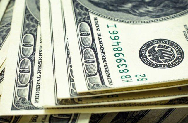 El Tesoro emite bonos atados al dólar oficial