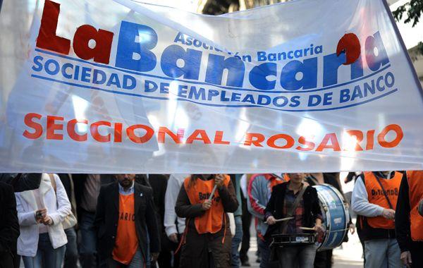 Los bancarios vuelven a salir a las calles. (foto: Francisco Guillén)