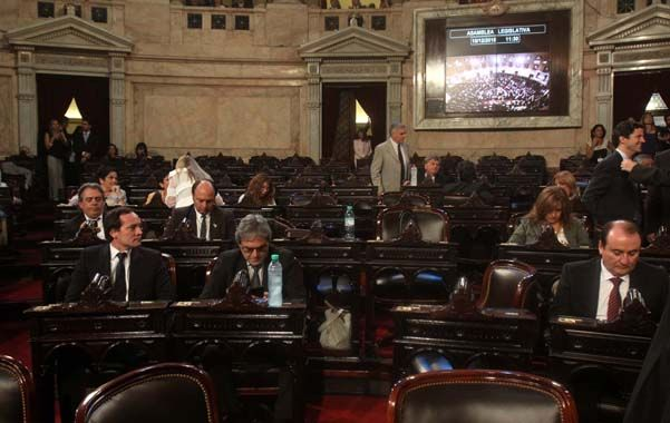 faltazo. Más de un centenar de bancas del FpV en el Congreso quedaron vacías en repudio al fallo judicial sobre el traspaso. (DyN)