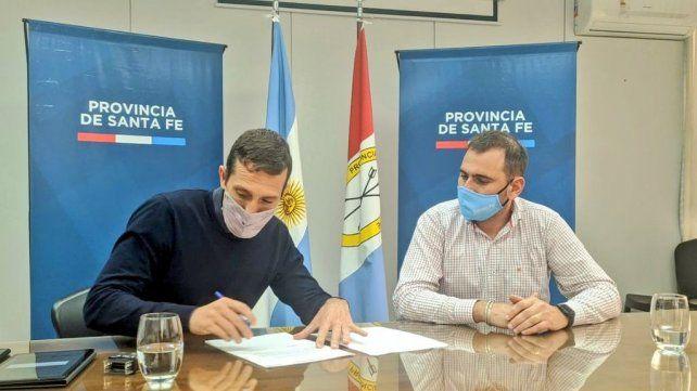 Corsalini firmó con Aviano, un convenio por 500 mil pesos destinados al apoyo técnico para planificar los sectores comerciales.