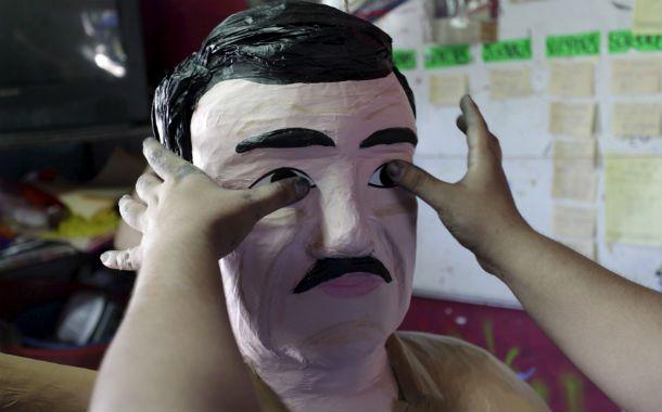 Chapomanía. Sube la demanda de las piñatas de El Chapo.
