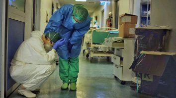 Los profesionales de la salud, agotados y angustiados, necesitan mayopr reconocimiento y mejoras en sus salarios.