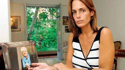 La ex novia de Sergio Denis fue atrapada ayer a la tarde a la salida de una zapatería en el shopping Alto Palermo.
