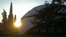 Los atardeceres de jueves y viernes de febrero habrá actividad en la nave espacial del parque Urquiza.