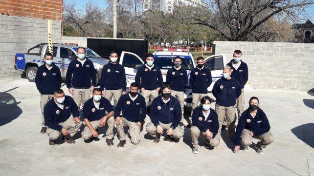 Parte de los integrantes de la nueva brigada de respuesta inmediata para combatir los incendios en la zona de islas.