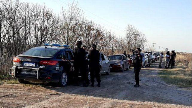 La policía logró detener a varios de los vehículos que se encontraban participando de las picadas de motos enRoldán.
