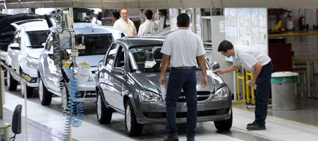 """El vicepresidente de la UIA también aseguró que los  industriales no perciben """"una caída en el empleo"""" en el sector."""