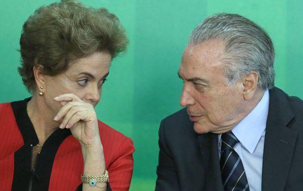 Miradas. Dilma y su poco fiable aliado y vice