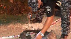 Personal policial examina el artefacto. Todo salió bien, pero hubo tensión en la zona de Ayacucho al 3900.