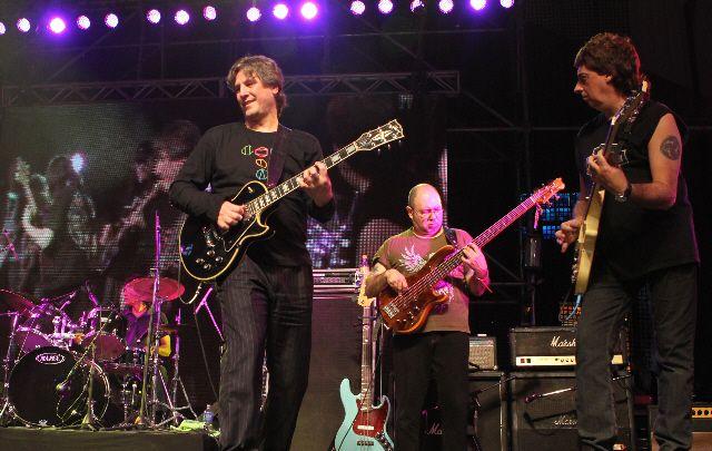 Boudou descolló con su guitarra en un homenaje a Pappo (video)
