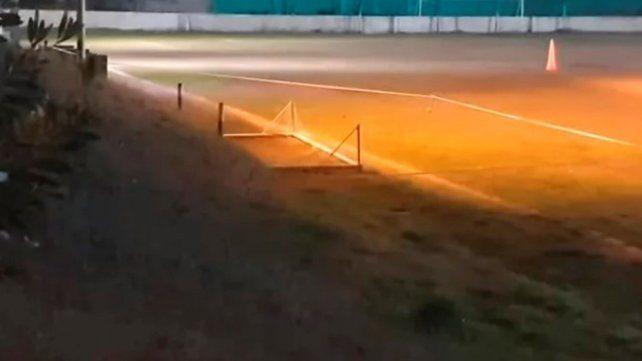 Un chico de 12 años murió al caérsele encima un arco de fútbol