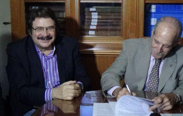 Rúbrica. El senador Rosconi y el ministro Sciara