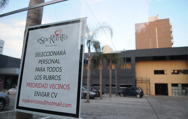El boliche avanza con sus obras en la esquina de Presidente Roca y Zeballos. (Foto: F. Guillén)