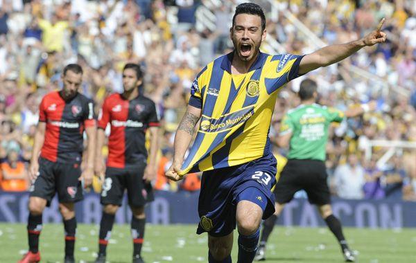 El volante grita con alma y vida su primer gol en primera y nada menos que en un clásico. (Foto: Gustavo de los Ríos)