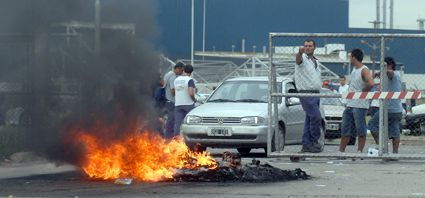 Día de alta tensión en el conflicto entre Smata y General Motors