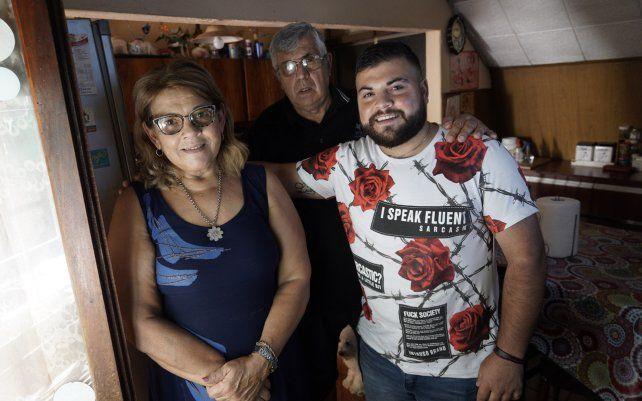 Un joven de 25 años pidió cambiarse el apellido: ahora llevará el del marido de su mamá. Guillermo Gabriel Iglesia Andrada desde ahora se llamará Guillermo Gabriel Tomás Andrada.