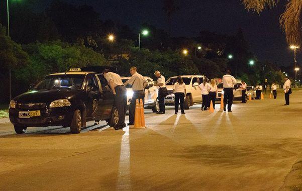 Pruebas en la calle. En la madrugada de Navidad se llevaron a cabo exámenes de ingesta de alcohol y otras acciones a conductores de vehículos.