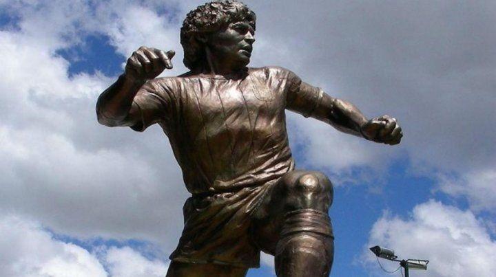 Una estatua similar sería levantada proximamente para evocar a Maradona.