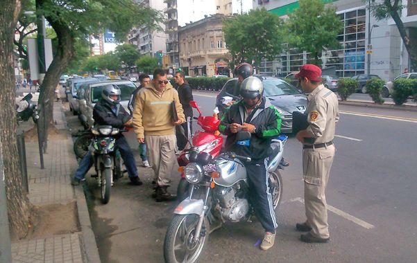 acciones en pellegrini. Agentes de Tránsito y de la GUM protagonizaron los operativos.