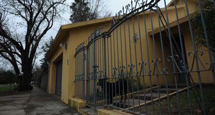Una banda sorprendió a la familia de un pediatra y vació su casa de Funes